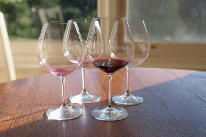 empty wine glasses control wine drinking excessive wine hypnotherapy